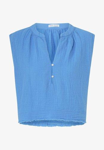 Blus - blue