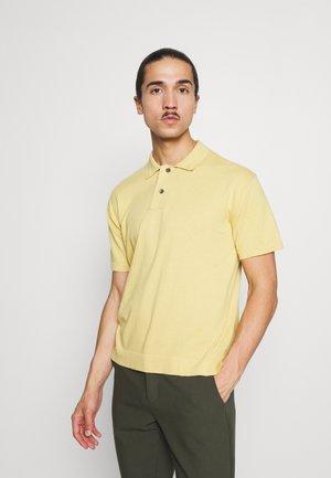 TEMP EASY UTILITY - Polo shirt - california calm