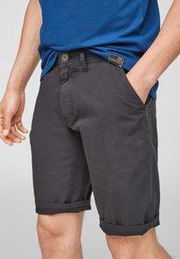 QS by s.Oliver - Shorts - dark grey - 3