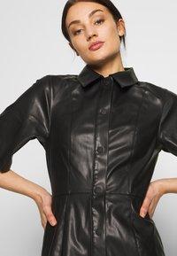 Weekday - SAVANAH DRESS - Košilové šaty - black - 4