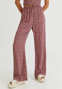 PULL&BEAR - MIT PRINT - Trousers - red - 0