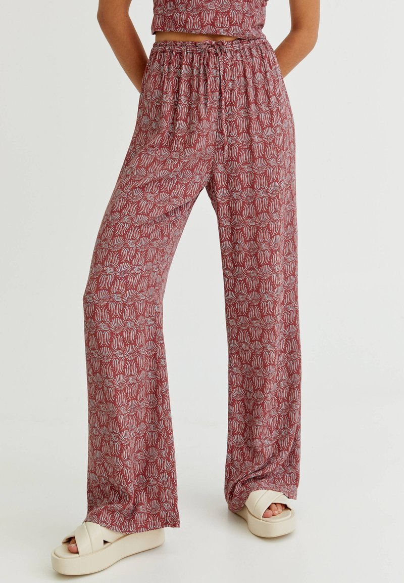 PULL&BEAR - MIT PRINT - Trousers - red