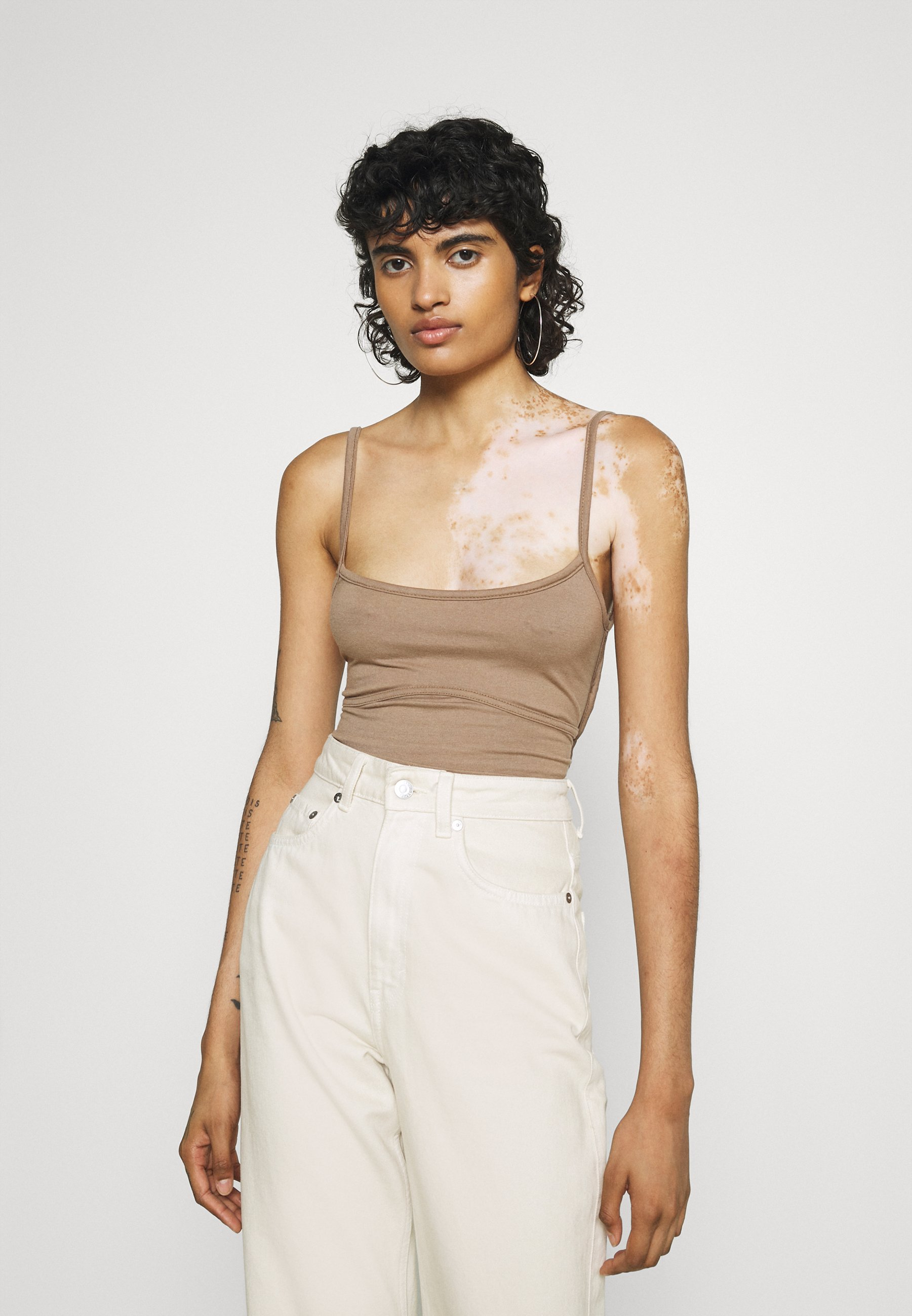 Women EXTREME UP STRAPPY - Top
