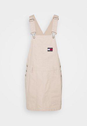 DUNGAREE DRESS - Robe d'été - smooth stone