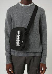 Napapijri - HAPPY CROSS POCKET - Across body bag - black - 0