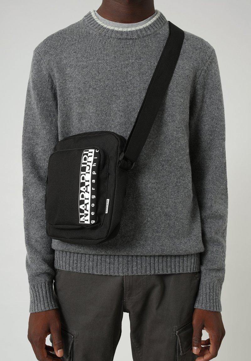 Napapijri - HAPPY CROSS POCKET - Across body bag - black