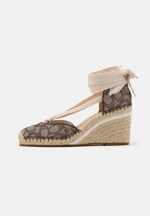 CARMEN JACQUARD  - Platform heels - oak