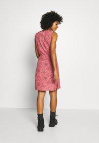 Jack Wolfskin - TIOGA ROAD PRINT DRESS - Sports dress - rose quartz - 2