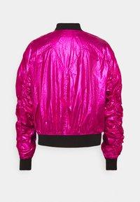 KARL LAGERFELD - IKONIK - Bombertakki - metallic pink - 1