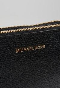 MICHAEL Michael Kors - Schoudertas - black - 5