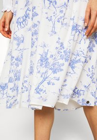 Nümph - NUARIZILLA SKIRT - A-line skirt - blue/off-white