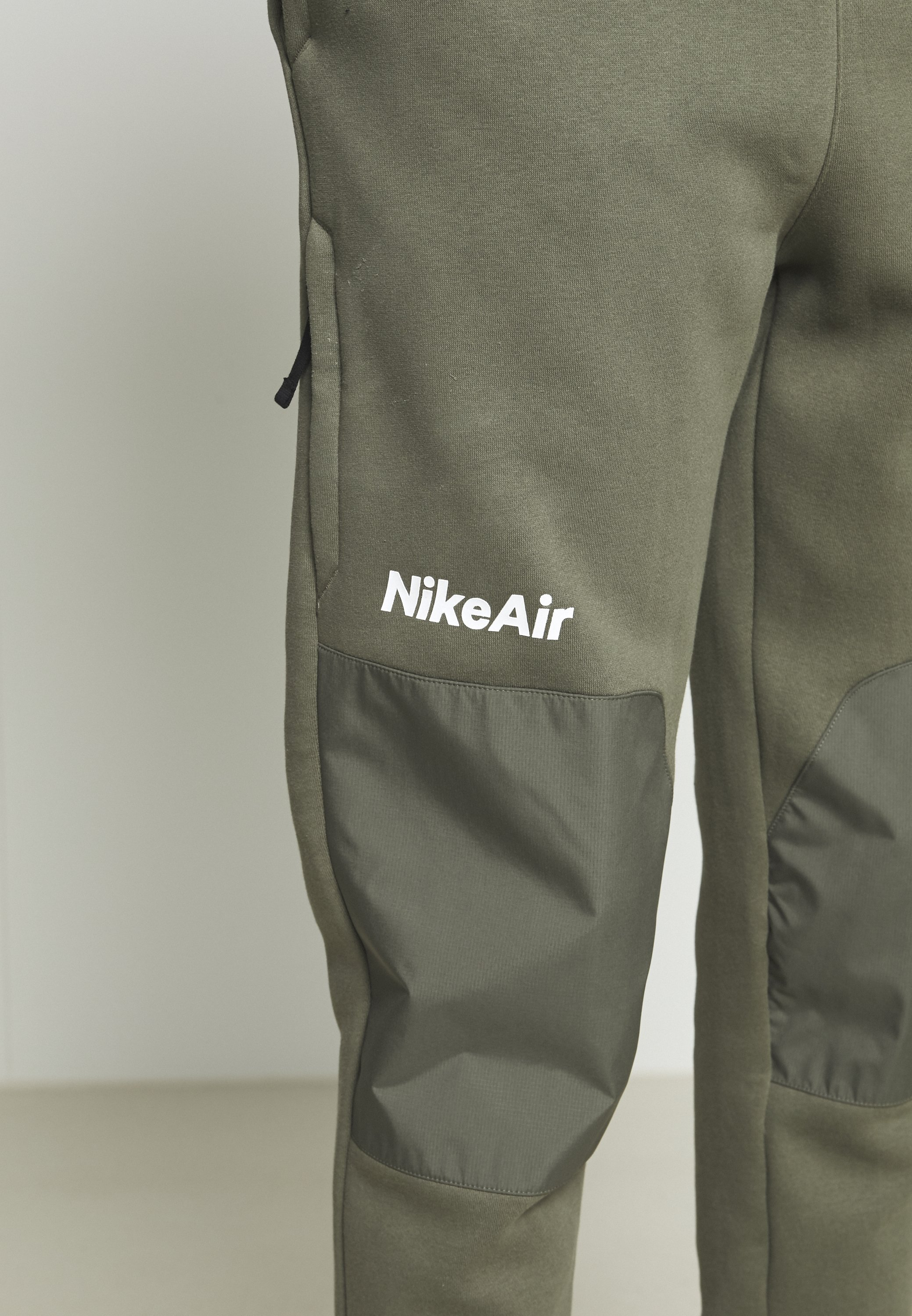Nike Sportswear AIR PANT  - Tracksuit bottoms - twilight marsh/black/white n145N