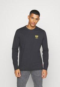 Levi's® - RELAXED FIT TEE UNISEX - Långärmad tröja - jet black - 0