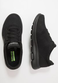 Skechers Performance - GO WALK 5  QUALIFY - Trainings-/Fitnessschuh - black - 1