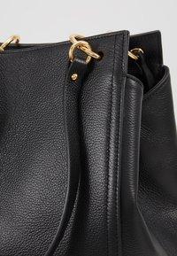Coccinelle - MADELAINE - Handbag - noir - 6