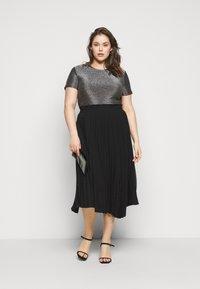 Vero Moda Curve - VMADALYN GLITTER - Basic T-shirt - black/silver - 1