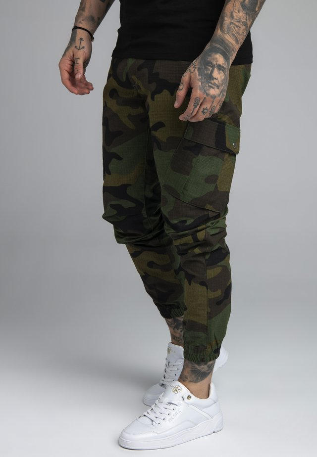 FITTED CUFF PANTS - Pantalones cargo - green