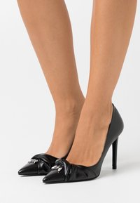 Patrizia Pepe - SCARPE SHOES - High heels - nero - 0