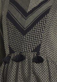 Mara Mea - SMALL PARADISE - Korte jurk - olive/black - 2