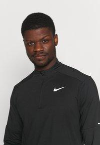Nike Performance - T-shirt à manches longues - black/silver - 3