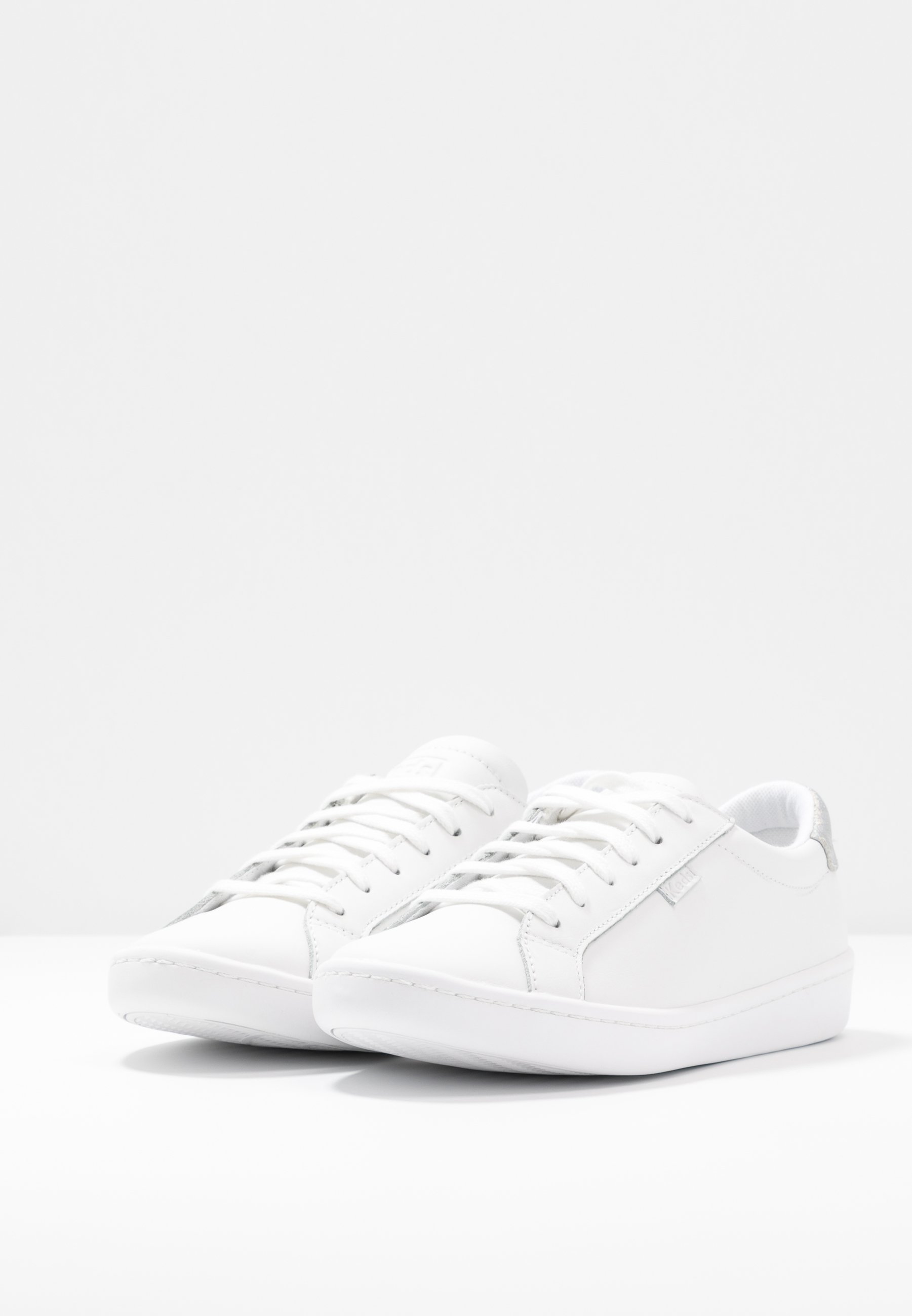 ACE Sneakers whitesilver