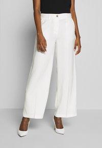 Soyaconcept - GLENNA - Pantalones - off-white - 0
