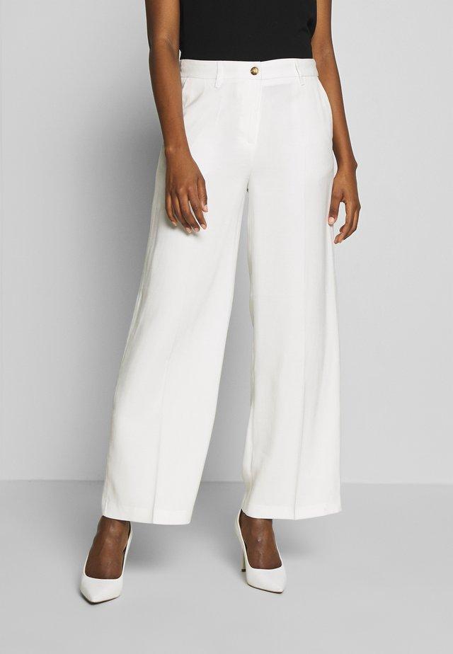 GLENNA - Kalhoty - off-white