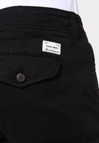 Jack & Jones - JJIPAUL JJWARNER  - Cargo trousers - black - 4
