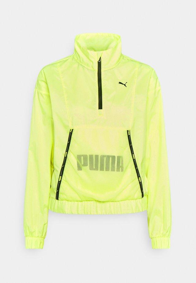 TRAIN LOGO QUARTER  - Sportovní bunda - soft fluo yellow