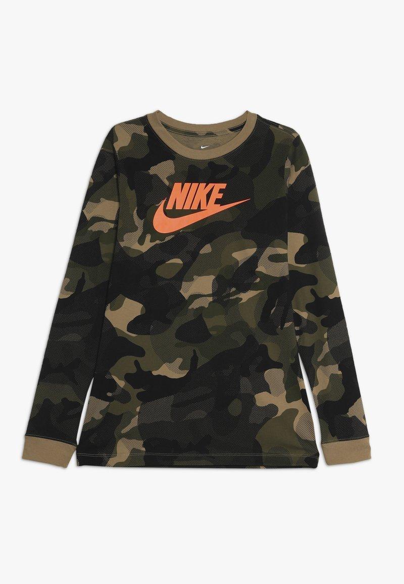 Nike Sportswear - CAMO - Langærmede T-shirts - beechtree/medium olive