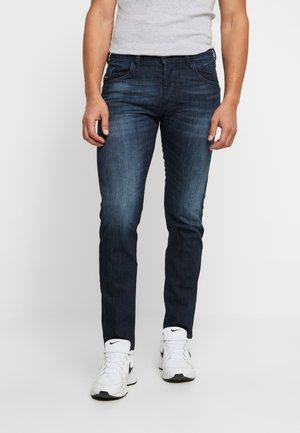 D-BAZER - Slim fit jeans - dark blue denim