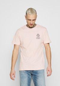 YOURTURN - UNISEX - T-shirt z nadrukiem - pink - 0