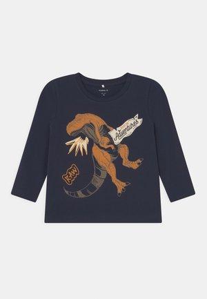 NMMLUKASO - Maglietta a manica lunga - dark sapphire