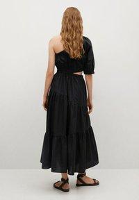 Mango - MIT SCHLITZ - Day dress - schwarz - 1