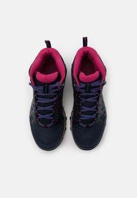 Columbia - PEAKFREAK X2 MID OUTDRY - Hiking shoes - collegiate navy/dark fuchsia - 3