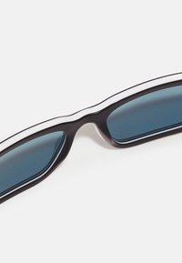 Prada - Sluneční brýle - black/white - 4