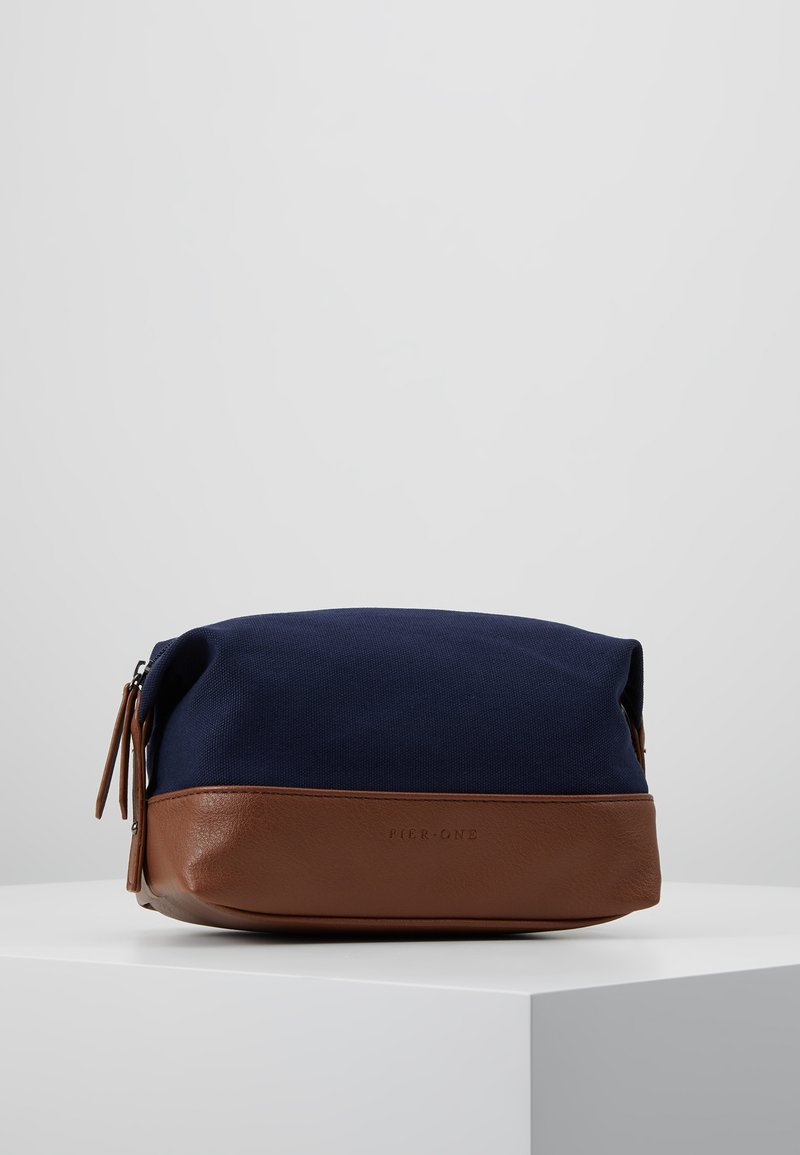 Pier One - UNISEX - Kosmetická taška - dark blue/cognac