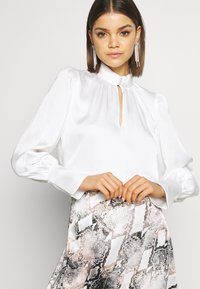 Forever New - PEARL BUTTON TOP - Blouse - white - 3