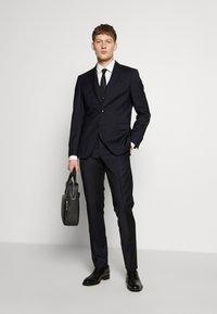 HUGO - JENNO SLIM FIT - Camicia elegante - natural - 1