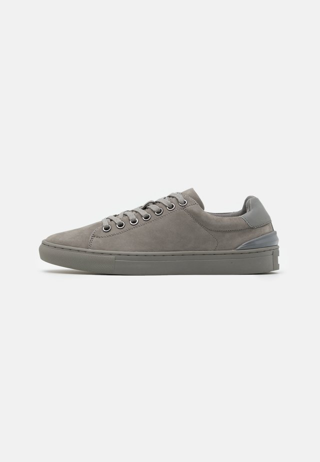 BETTY - Baskets basses - grey