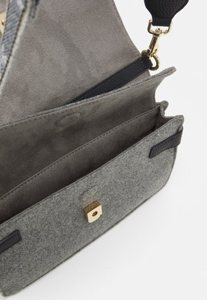 SOFT FLAP CROSSOVER - Across body bag - grey