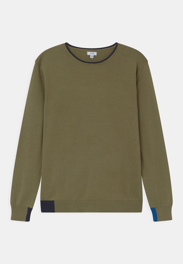 OUTER SPACE - Stickad tröja - deep lichen green