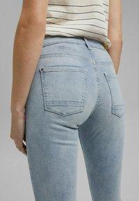 Esprit - Jeans Skinny Fit - blue bleached - 4