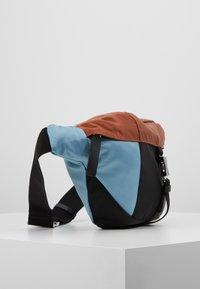 Marni - Bum bag - lake/rust/black - 3