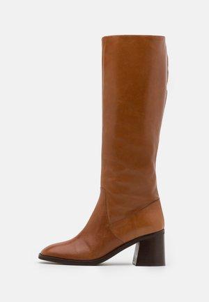DORUNI - Boots - cognac
