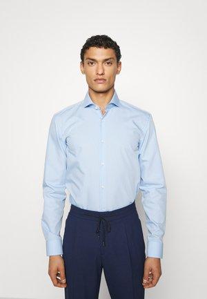KERY - Formal shirt - light/pastel blue