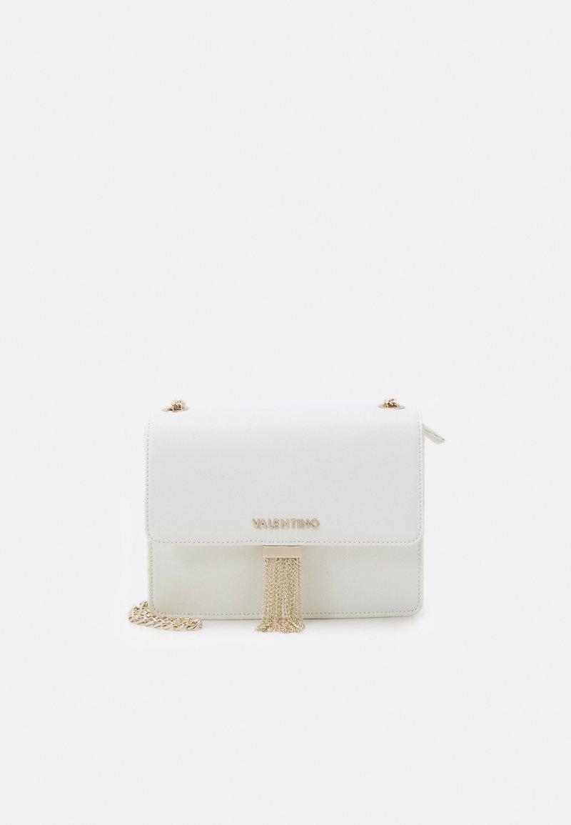 Valentino Bags - PICCADILLY - Torba na ramię - bianco