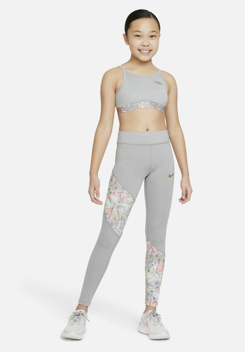 Nike Performance - DRI-FIT ONE - RAGAZZA - Leggings - light smoke grey/multi-colour/metallic gold