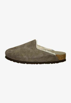 Clogs - concrete gray