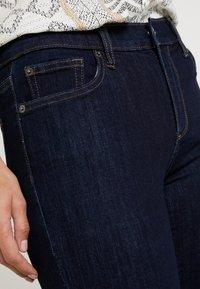 GAP - BOOT - Jeans Bootcut - dark rinse - 5